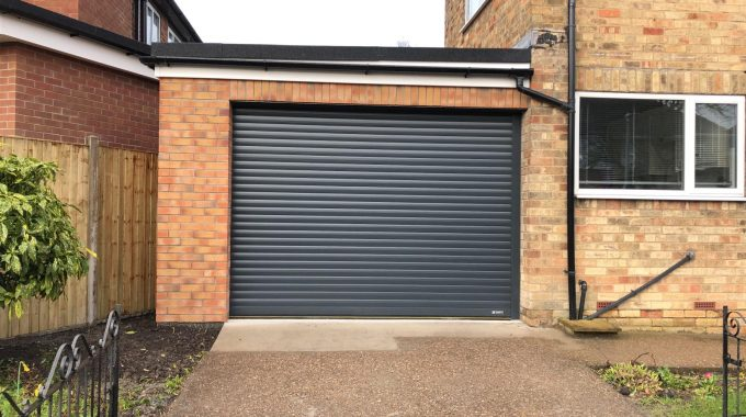 New Brick Garage Hull Builder